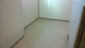 Laboratorio con suelo vinílico (PVC)