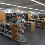 Biblioteca con pavimento linoleum